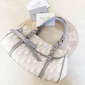 Diorのハンドバッグ