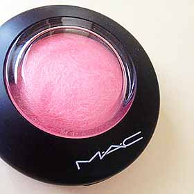 MACのチーク