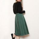 緑スカート×ベーシックカラーでつくる洗練着まわしコーデ14選